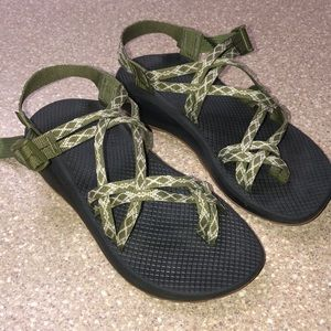 CHACO STRAPRY SANDALS